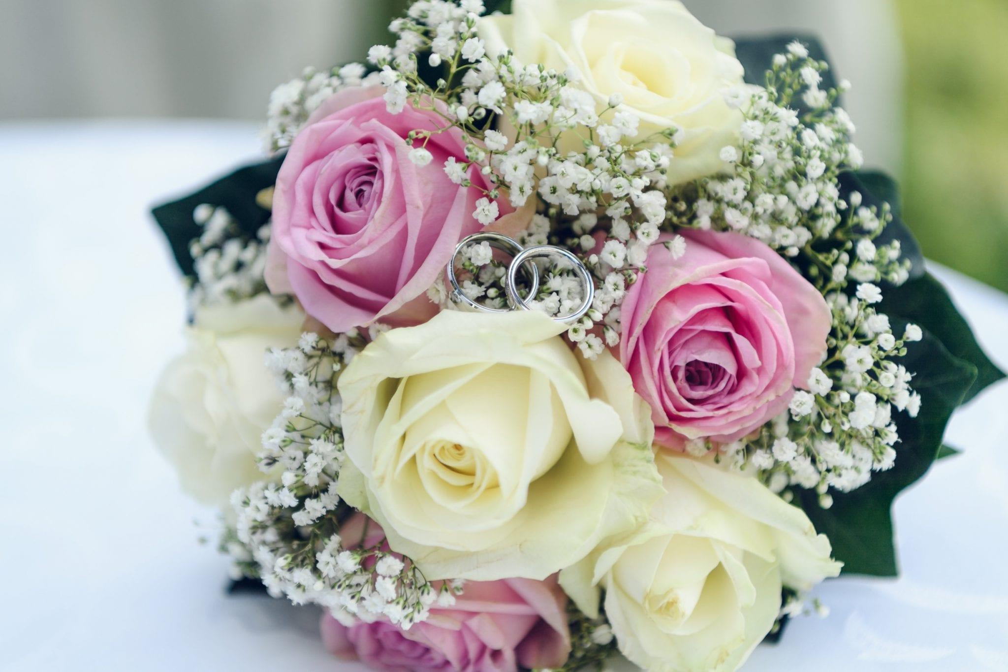 Hochzeit Blumen und Ring
