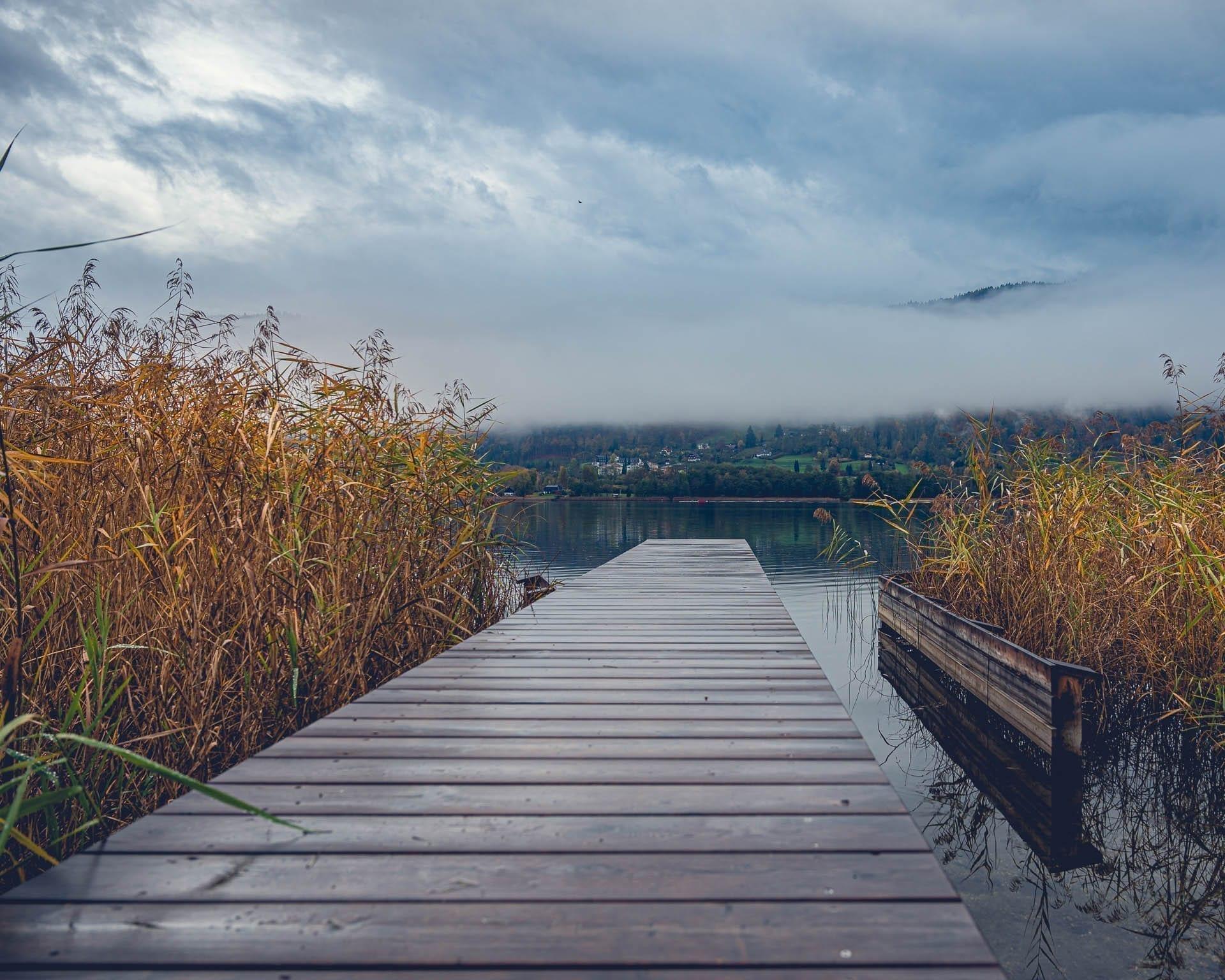 Steg am Ossiacher See zum Thema Disziplin